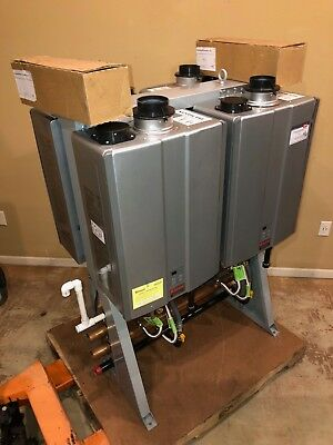 Rinnai TRS04iN 796K BTU (4) C199i Commercial Natural Gas Tankless Water Heaters