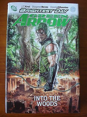 Brightest Day - Green Arrow - Into the Woods (Hardcover)