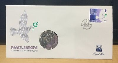 1985 Guernsey Peace in Europe £2 coin with first day cover in lovely condition