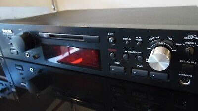 TASCAM MD-301 MKII Stereo Or Mono MiniDisc Recorder & Player + Rack Ears