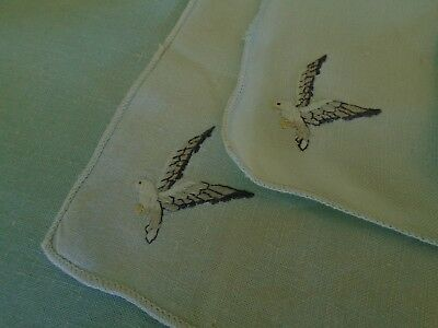 Set Of4  Hand Embroidered Linen Table Napkins &  2 Mats - Birds