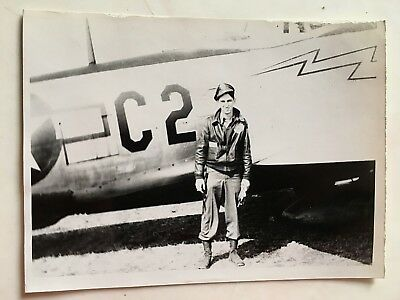 Wwii Photo  368Th Fighter Group Pilot Posing With P-47 Thunderbolt C2