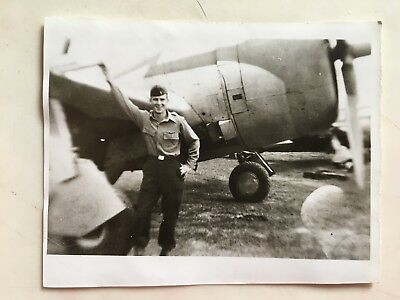 Wwii Photo  368Th Fighter Group Pilot And His  P-47 Thunderbolt
