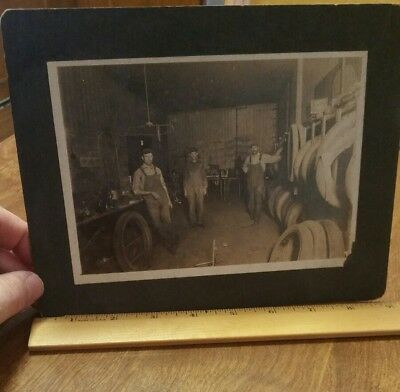 Vintage PHOTO  TIRE SHOP INTERIOR MECHANIC GARAGE TIRE SHOP MODEL A / T