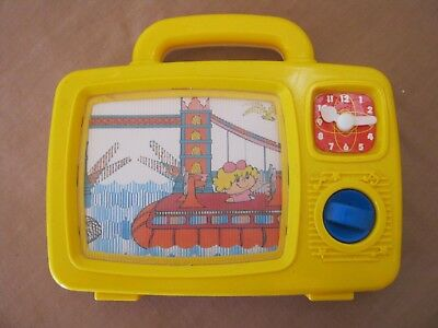 Vintage Wind-up TOY TELEVISION. Moving Picture. Red Box
