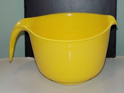 Vintage Mix N Grip Yellow Rubbermaid #2663 12 Cup, 3 Qt Batter Mixing Bowl