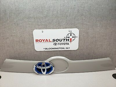 Toyota Highlander 14 -17 Luggage Compartment Garnish W/ Emblem Genuine OEM OE