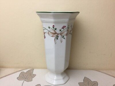 Johnson Brothers Eternal Beau Large Trumpet Vase Lovely Condition 20cm