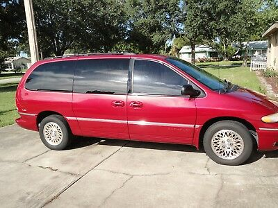 1997 Chrysler Town & Country LXi Mini Passenger Van 4-Door 1997 Chrysler Town & Country- One Owner