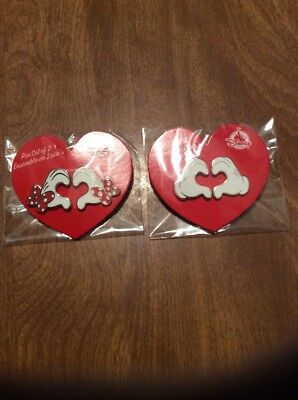 Valentines Disney Pin Set Mickey & Minnie Hand Form Heart Limited Release New