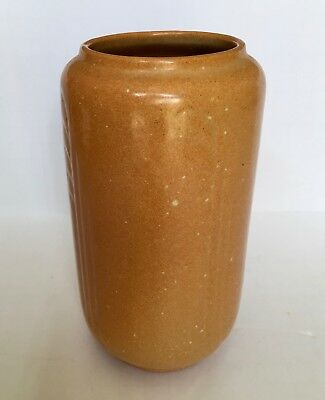 """Frankoma Pacing Panther Mark Ada Clay Art Deco 6.5"""" Speckled Tan Vase"""