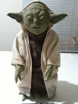"Star Wars 2005 Yoda 12""Talking Action Figure"