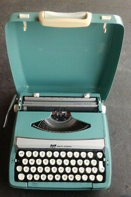 Vintage Smith Corona Corsair Deluxe Scm Portable Typewriter