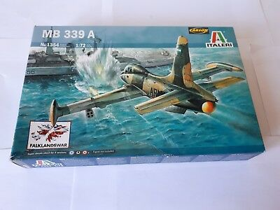 Italeri 1354 Aermacchi MB 339 A Argentinian Air Force Jet Fighter 1:72 Falkland