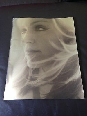 Madonna Drowned World Tour 2001 Program Book *Like New Condition!*