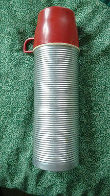 Vintage Mid Century THERMOS ribbed 2284 Pint Vacuum Bottle + cup Norwich USA