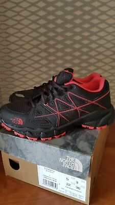 BNIB The North Face Trainers Size 3