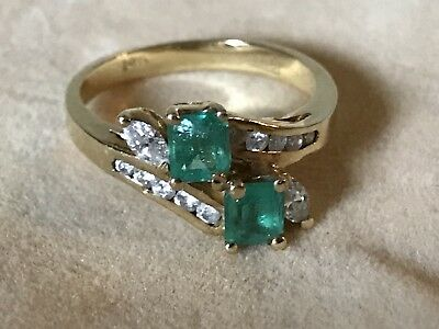 Vintage 14k Yellow Gold Emerald and Diamond Ring 1.4 ctw. Total 3.7 grams SZ 7.5