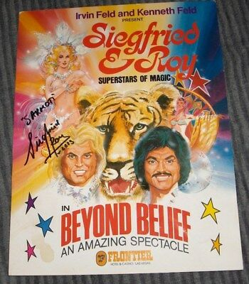 Siegfried and Roy One Page Signed Program Something You See Once In A Lifetime