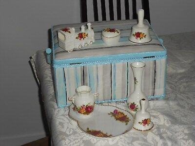 English Bone China 7 pieces look alike Old Country Roese perfect