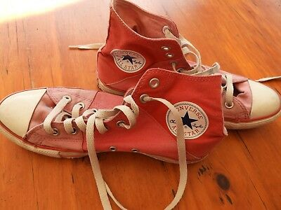 Converse All Stars UK size 7 (Eur 40) - Pink