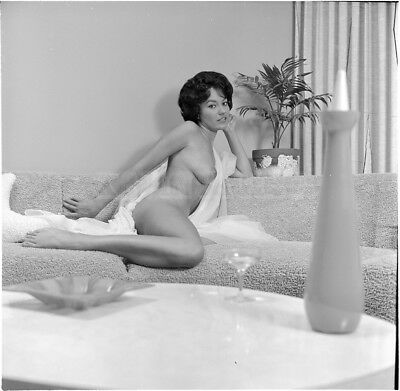 Vintage Nude negative  BUSTY BRUNETTE * NUDE * COUCH *