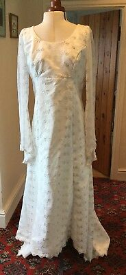 VINTAGE 1970's IVORY EMBROIDERED TULLE WEDDING DRESS