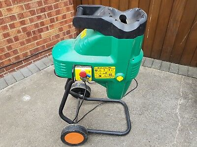 Black and Decker GS2200 Garden Shredder Mulcher Chipper excellent condition