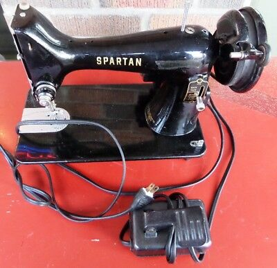 VINTAGE 40 SINGER Spartan Sewing Machine Model 40K Serial Best 1960 Singer Spartan Sewing Machine Model 192k