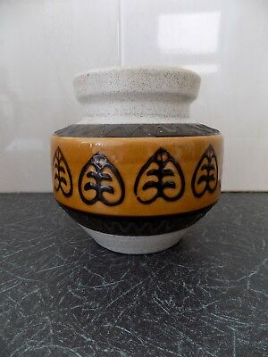 Dümler & Breiden - German Art Pottery. Modernist  POT (153-13). 13cm. 1960/70's