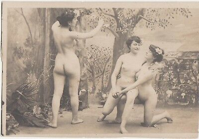 1910s Nude French Lesbian threesome girls PHOTO naked Lesbians Gay touching