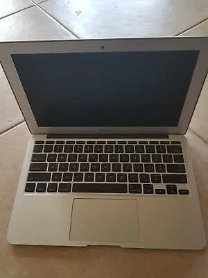 Macbook Air 11inch 128GBComes with 2xcharger, 2x mac to hdmi, Hard case