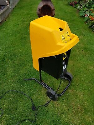 JVC garden shredder in full working order. Possible free delivery.