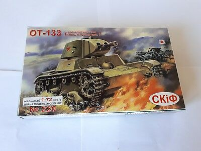 CKI 220 Soviet Flamethrower Tank OT-133 Russischer Flammenwerfer Panzer 1:72 PE