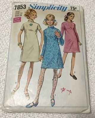 Vintage 1968 Simplicity 7853 Sewing Pattern for Misses Dress