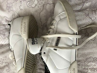 Mens size 8 (42) WHITE LEATHER REEBOK CLASSIC TRAINERS