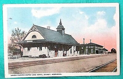 Vntg posted 1918 Union Pacific RR train Depot & Hotel, Sidney, Neb POSTCARD