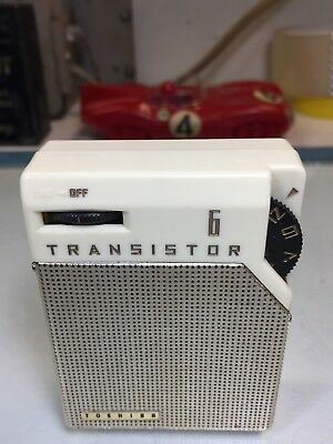 Toshiba 6Tp-394 Ivory *plays* Transistor Radio - A Great Little Set Very Clean!