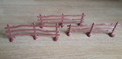 3 x TOY PLASTIC FENCE PANELS