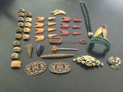 LOT of VINTAGE / ANTIQUE BAKELIGHT DRESS CLIPS / SHOE CLIPS, BROOCHES, MISC.