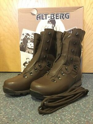Altberg SNEEKER Microlite MK11 NEW IN BOX Wide Fit Size 8.5
