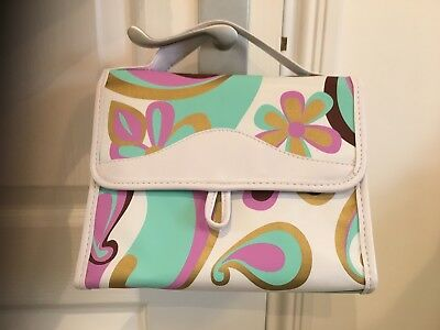 Ladies Hanging/ Carry Toilet Bag. New No Tags.