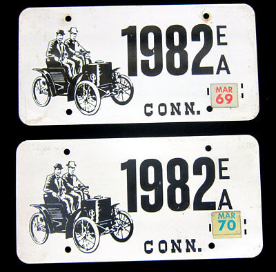 Connecticut - Ea 1982 - Horseless Carriage - Antique Auto - Early Pair
