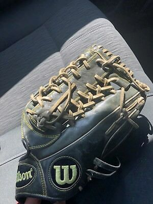 """A2000 Outfield Glove 12.5"""""""