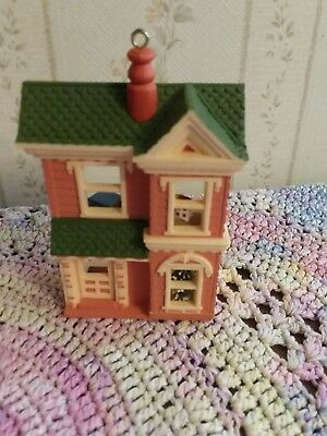 1984 Victorian Dollhouse Hallmark Ornament #1 in Nostalgic House and Shops