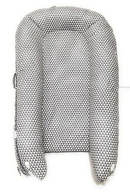 Valsonix Baby Nest Cover [fits Dockatot Grand] (Grey Triangles)