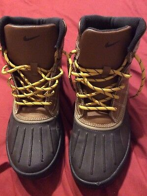 7f92e56d853 YOUTH BOYS NIKE ACG Woodside hiking Duck Boots Size 6y brown & Black Sz 6