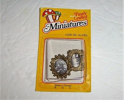 Miniature Dollhouse Picture Frames (2) New in Package