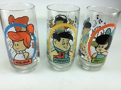 LOT OF 3 VINTAGE PIZZA HUT FLINTSTONES KIDS COLLECTIBLE GLASS Fred Wilma Betty