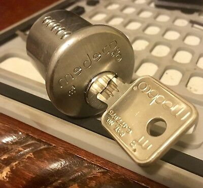 Medeco M3 Rim cylinder w/1 key and mounting assebly 26D